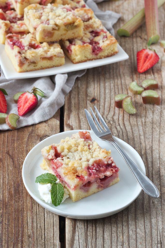 Erdbeer Rhabarber Kuchen vom Blech von Sweets & Lifestyle®