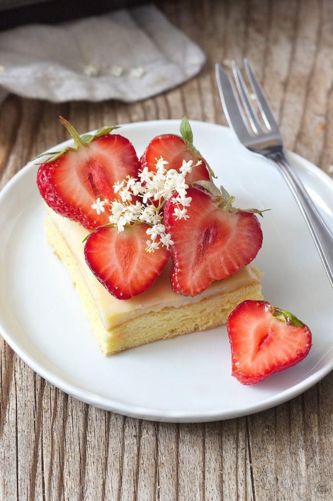 Einfaches Erdbeerkuchen Rezept von Sweets & Lifestyle®