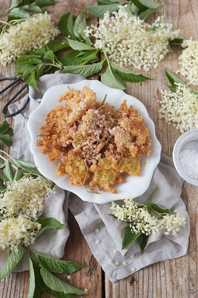 Gebackene Holunderblüten in Bierteig von Sweets & Lifestyle®