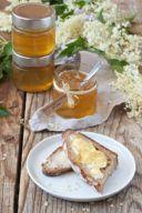 Holunderblütengelee mit Apfelsaft und Holunderblütensirup von Sweets & Lifestyle®