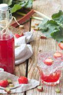 Rezept für einen Rhabarber Erdbeer Sirup von Sweets & Lifestyle®