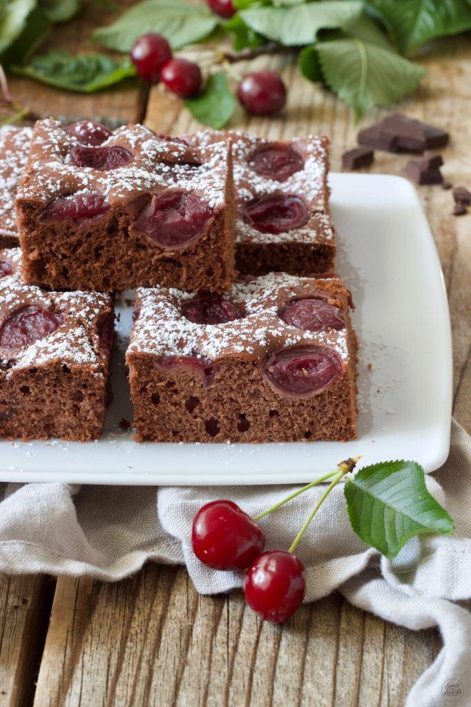 Saftiger Schoko Kirsch Kuchen vom Blech von Sweets & Lifestyle®