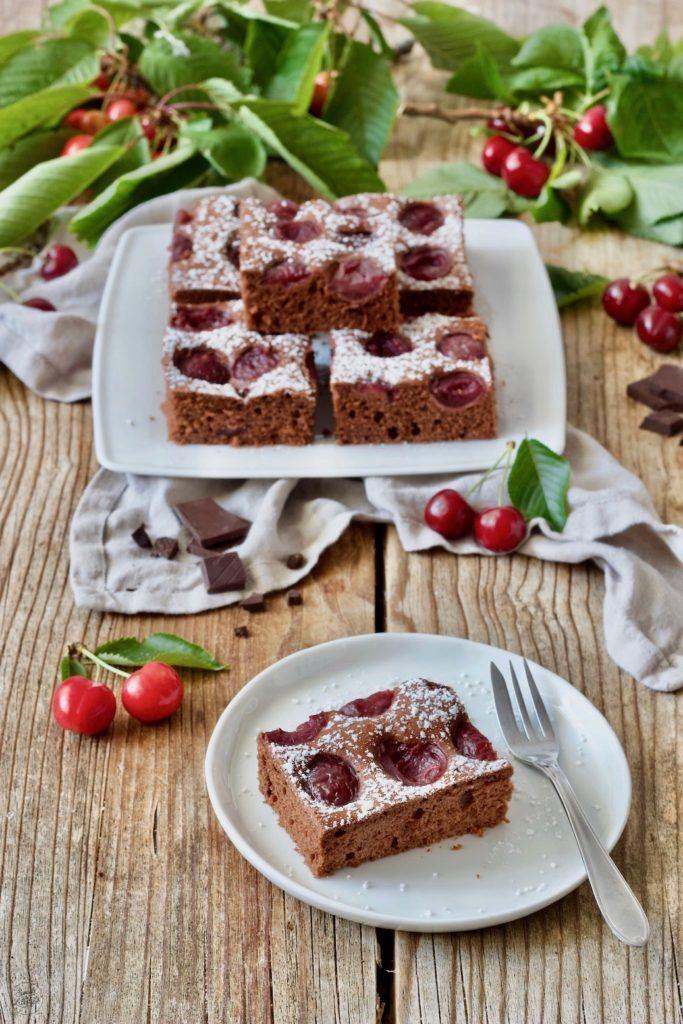 Saftiger Schokolade Kirschkuchen vom Blech von Sweets & Lifestyle®