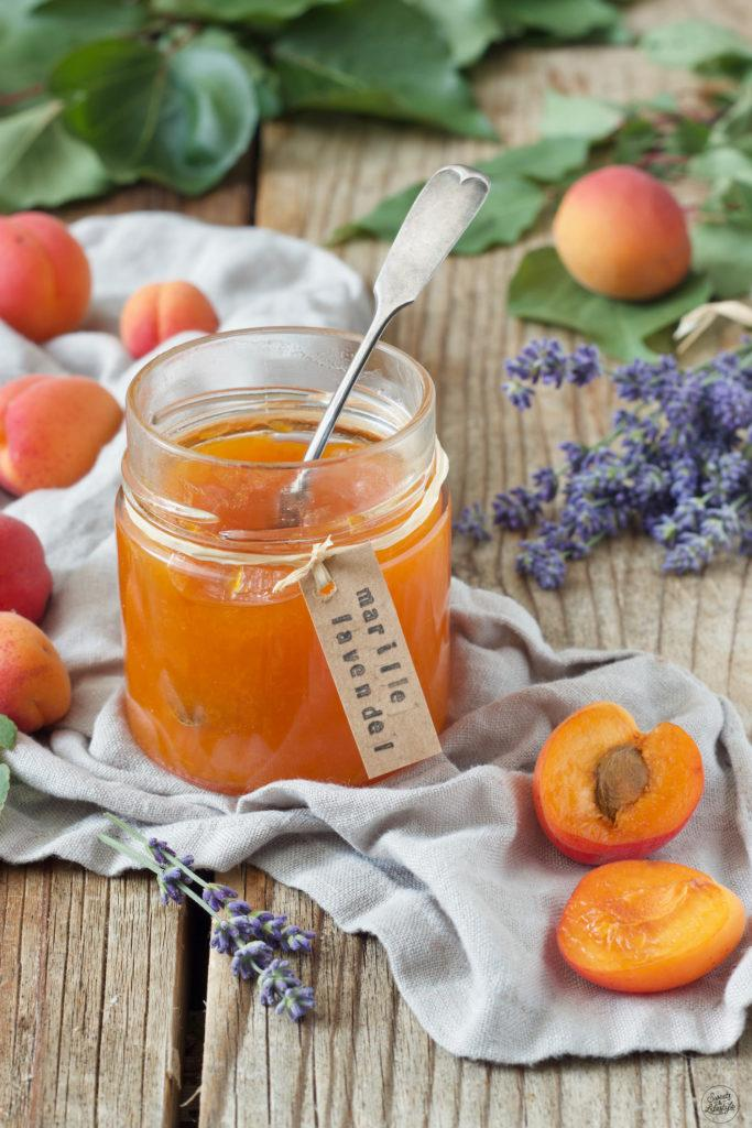 Aprikosenkonfitüre mit Lavendel nach einem Rezept von Sweets & Lifestyle®