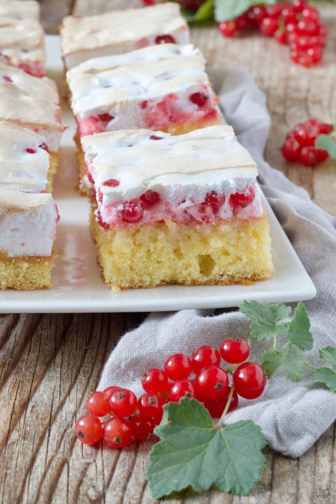 Johannisbeerkuchen mit Schneehaube nach einem Rezept von Sweets & Lifestyle®