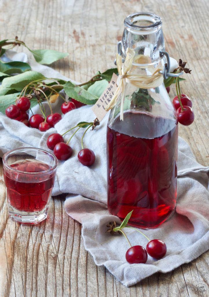Sofort trinkfertiger Kirschenlikör nach einem Rezept von Sweets & Lifestyle®
