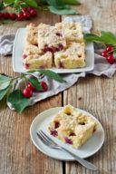 Einfacher Kirschkuchen vom Blech mit Streusel von Sweets & Lifestyle®