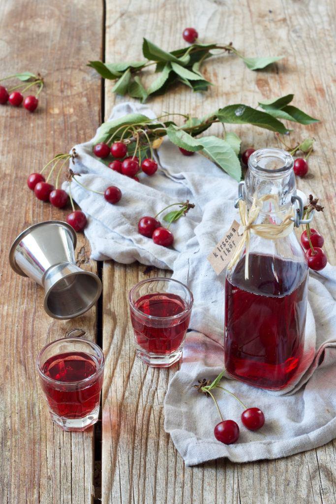Kirschlikör selber machen mit Wodka nach einem Rezept von Sweets & Lifestyle®