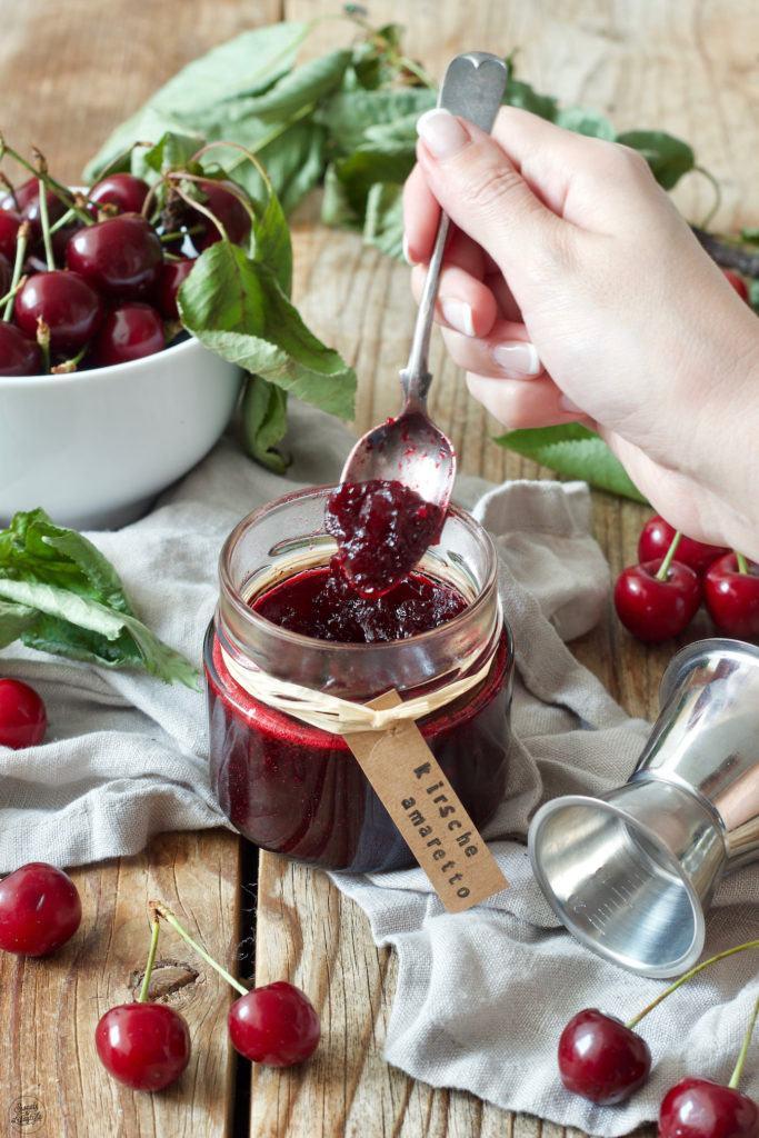 Rezept für eine Kirschmarmelade mit Amaretto von Sweets & Lifestyle®