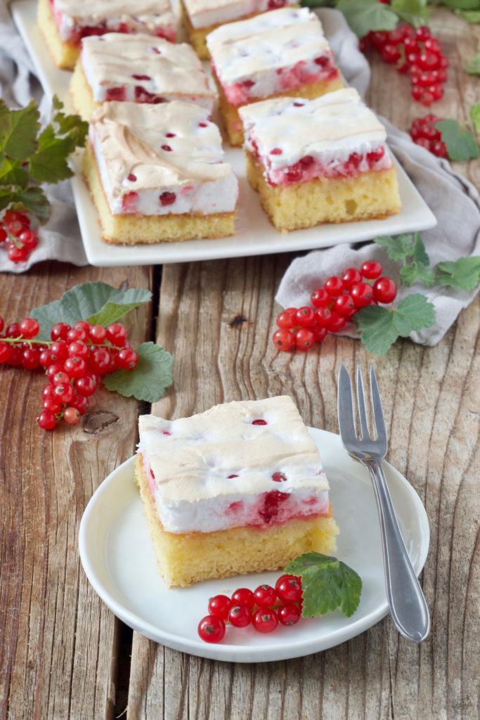 Ribiselkuchen mit Schneehaube nach dem Rezept von Sweets & Lifestyle®