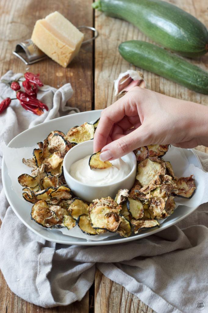 Knusprige Zucchini Chips aus dem Backofen von Sweets & Lifestyle®