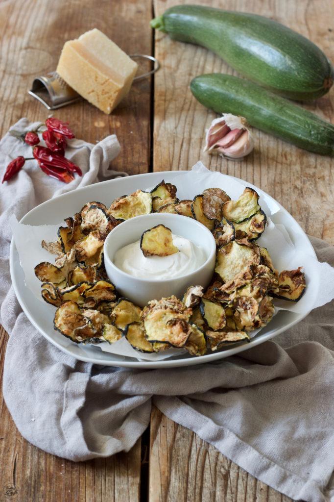 knusprige Zucchini Chips mit Parmesan nach einem Rezept von Sweets & Lifestyle®