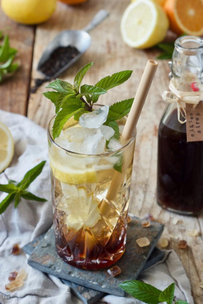 Bambusstrohhalm im Zitroneneistee von Sweets & Lifestyle®