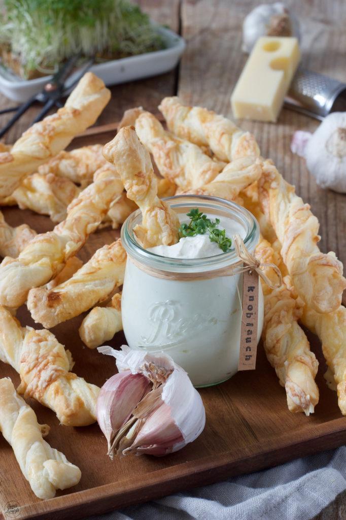 Vegetarische Blätterteigstangen mit Käse nach einem Rezept von Sweets & Lifestyle®