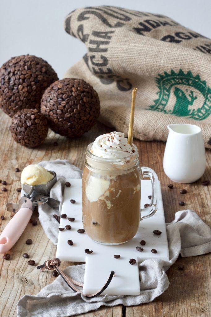 Eiskaffee Rezept mit Vanilleeeis nach einem Rezept von Sweets & Lifestyle®