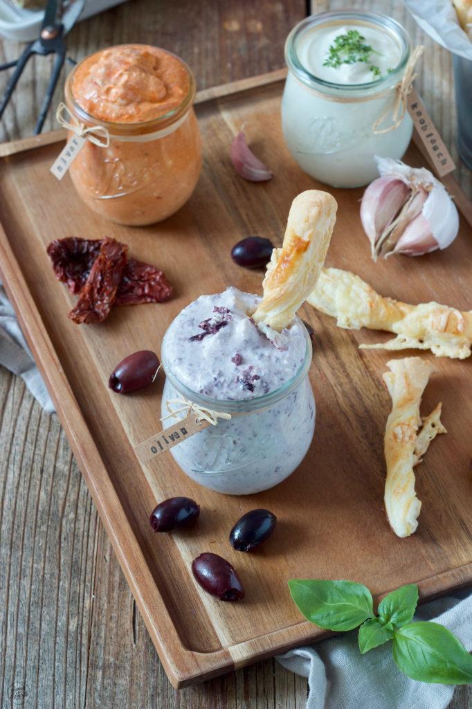 würziger Feta Dip mit Oliven nach einem Rezept von Sweets & Lifestyle®