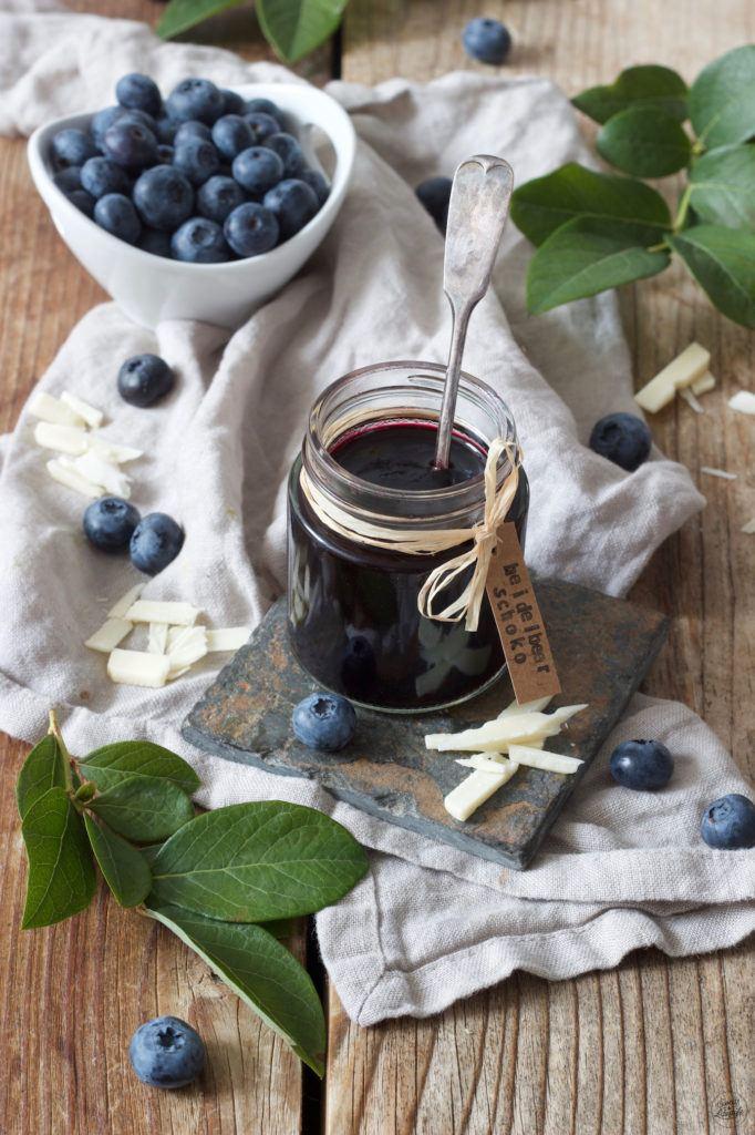 Fruchtige Heidelbeermarmelade mit weißer Schokolade verfeinert von Sweets & Lifestyle®