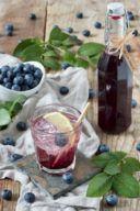 Heidelbeersirup selber machen ist ganz einfach nach dem Rezept von Sweets & Lifestyle®