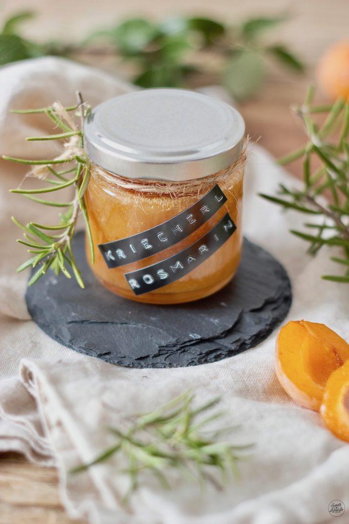 Kriecherlmarmelade mit Rosmarin nach einem Rezept von Sweets & Lifestyle®
