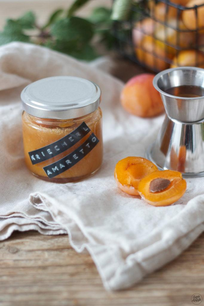 Leckere Kriecherlmarmelade mit Amaretto verfeinert nach einem Rezept von Sweets & Lifestyle®