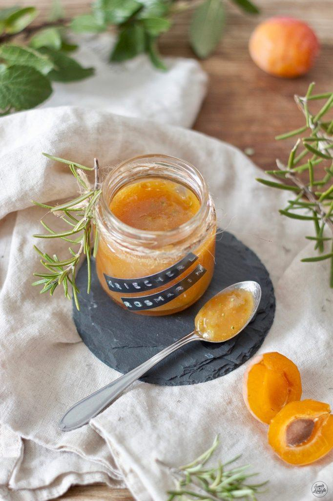 Kriecherlmarmelade mit Rosmarin verfeinert nach einem Rezept von Sweets & Lifestyle®