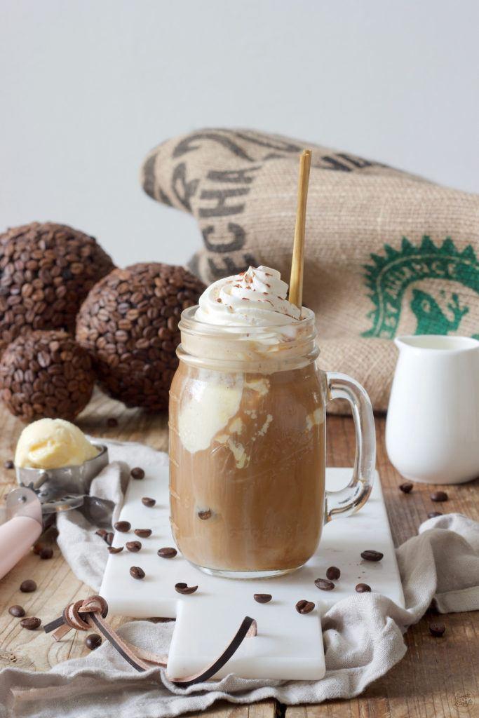 Leckerer Eiskaffee mit Vanilleeis nach einem Rezept von Sweets & Lifestyle®