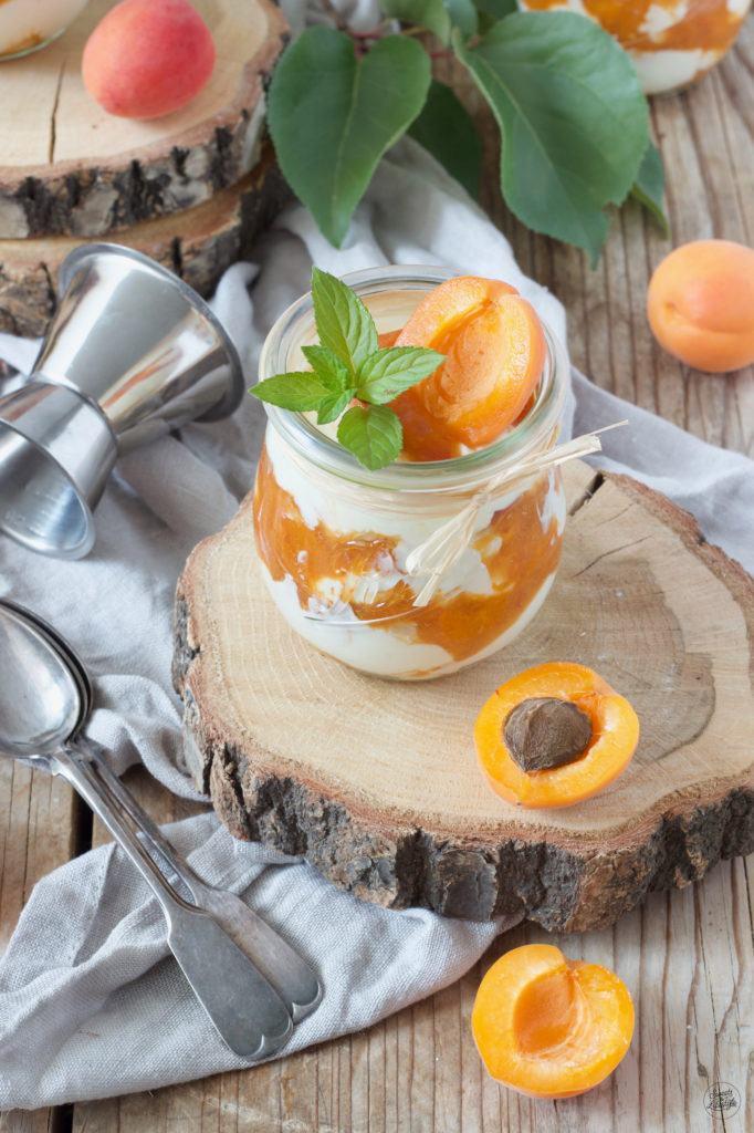 Marillen Tiramisu im Glas serviert von Sweets & Lifestyle®