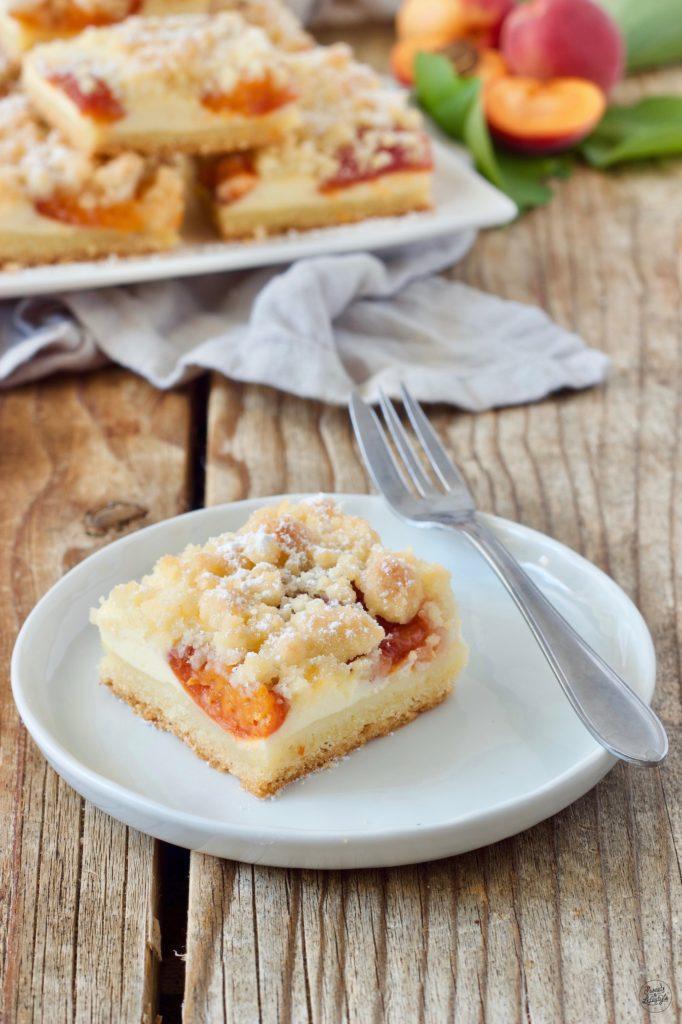 Marillen Topfenkuchen mit Streusel als Blechkuchen von Sweets & Lifestyle®