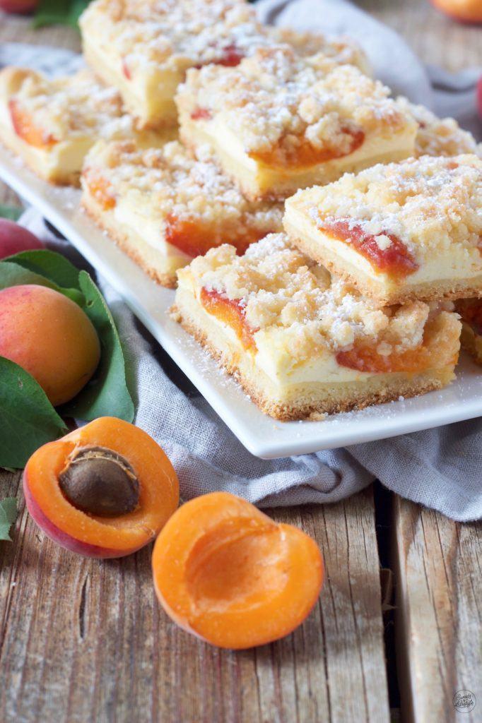 Marillenkuchen mit Topfen und Streusel vom Blech nach einem Rezept von Sweets & Lifestyle®