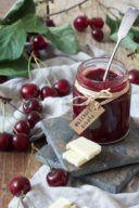 Rezept für eine Weichselmarmelade mit weisser Schokolade von Sweets & Lifestyle®