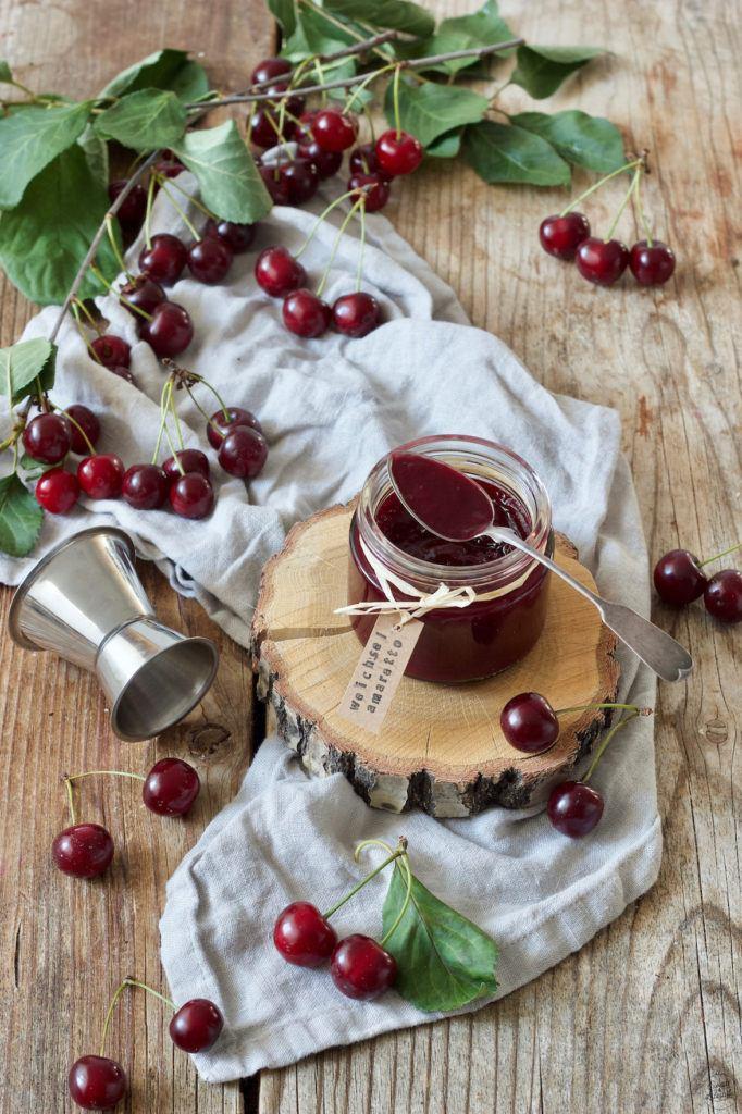 Sauerkirschmarmelade mit Amaretto nach einem Rezept von Sweets & Lifestyle®