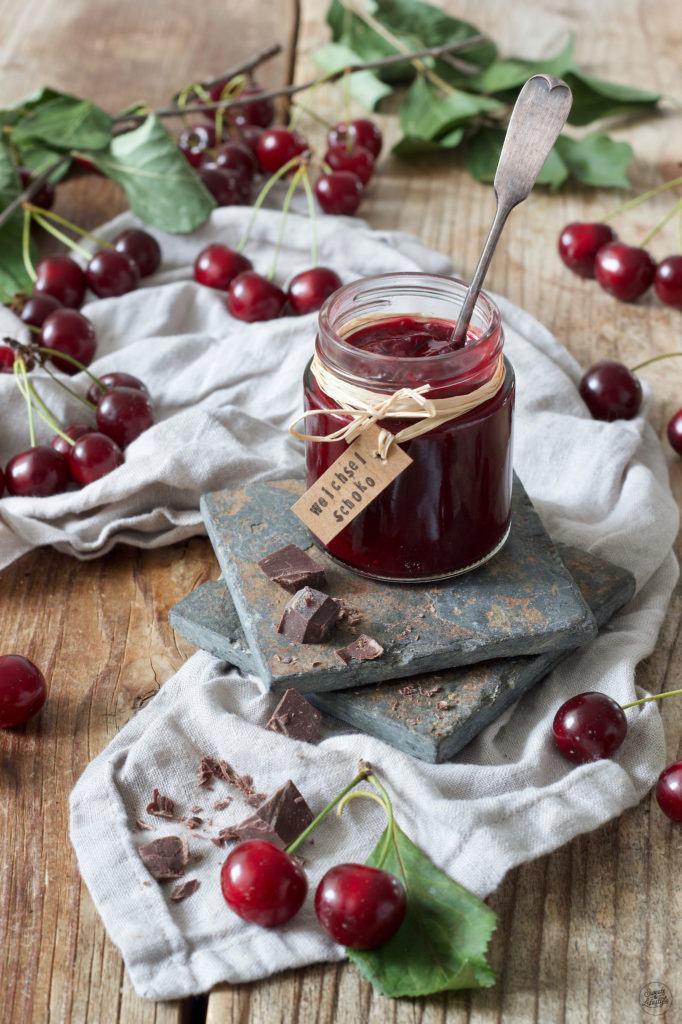 Sauerkirschmarmelade mit Zartbitterschokolade Rezept von Sweets & Lifestyle®
