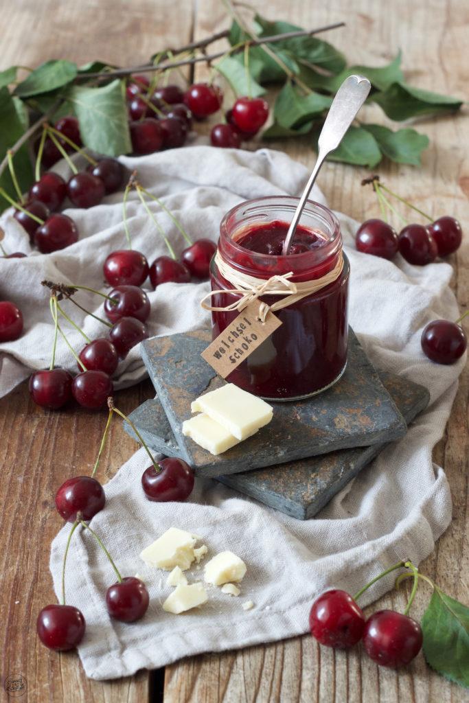 Sauerkirschmarmelade mit weisser Schokolade verfeinert von Sweets & Lifestyle®