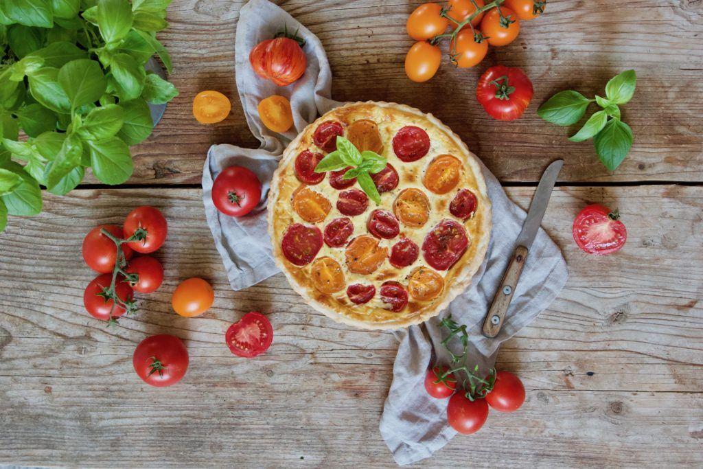 tomaten quiche mit ziegenk se rezept sweets lifestyle. Black Bedroom Furniture Sets. Home Design Ideas