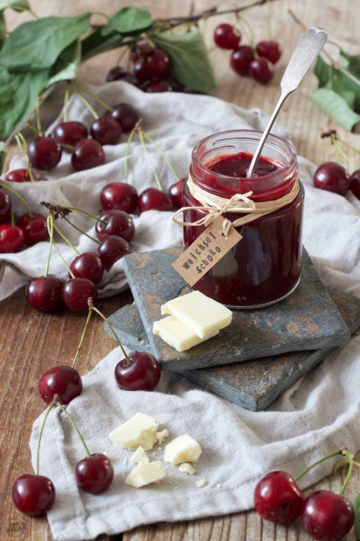 Weichselmarmelade mit weisser Schokolade verfeinert von Sweets & Lifestyle®
