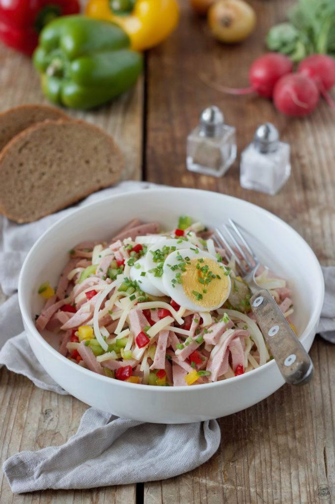Wurstsalat mit Käse nach einem Rezept von Sweets & Lifestyle®