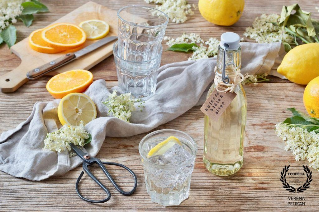 verena-pelikan-austria-32collection-foodelia-cc_homemade elderflower syrup by Sweets & Lifestyle®