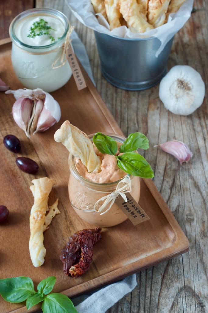 würziger Schafskäsedip mit getrockneten Tomaten nach einem Rezept von Sweets & Lifestyle®