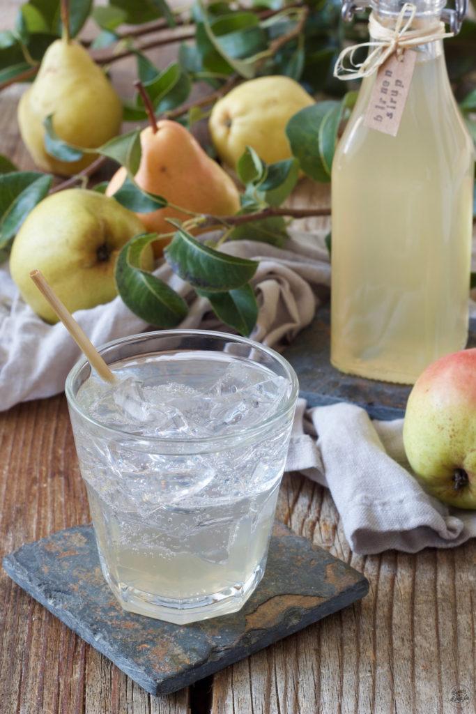 Selbst gemachter Birnensirup mit Wasser verduennt von Sweets & Lifestyle®