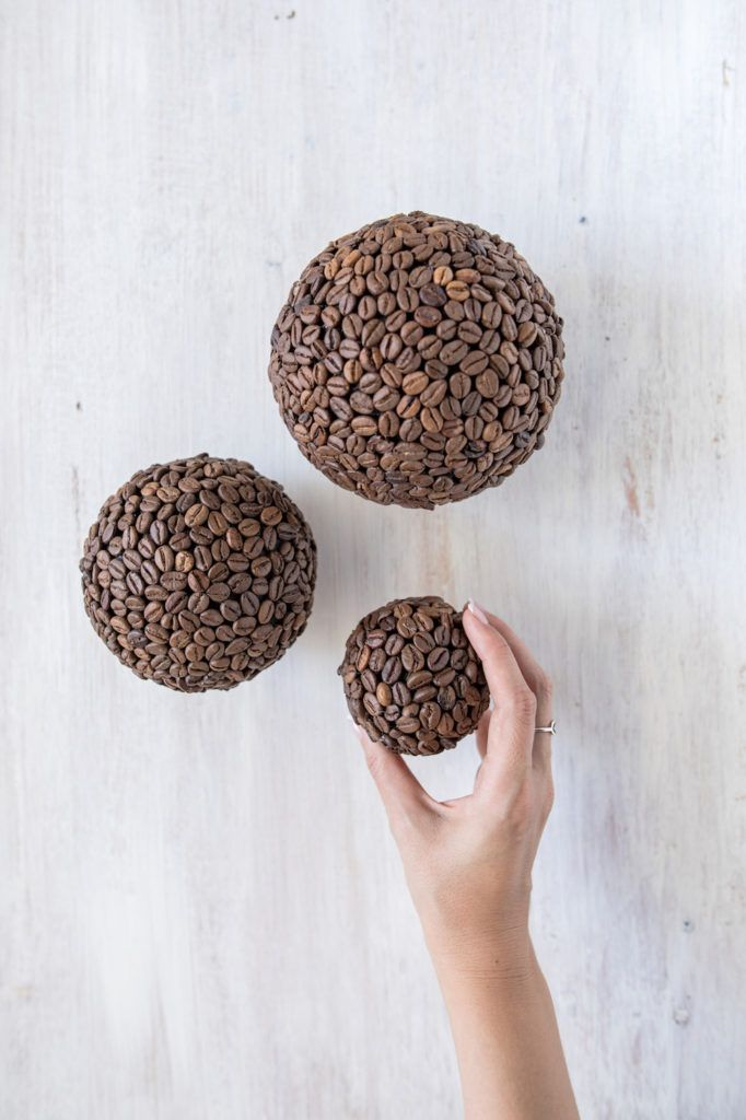 Deko Bälle mit Kaffeebohnen nach einer Anleitung von Sweets & Lifestyle®