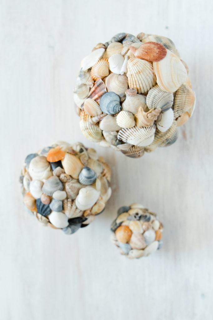 Selbst gemachte Dekokugeln aus Muscheln von Sweets & Lifestyle®