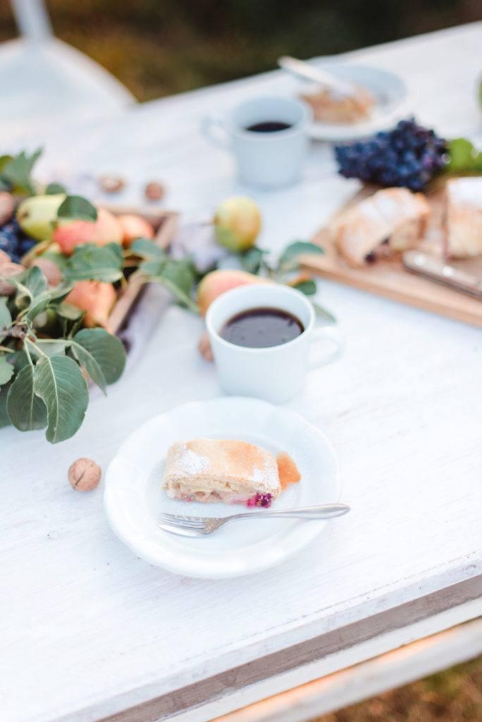 Herbstlicher Birnenstrudel mit Weintrauben nach einem Rezept von Sweets & Lifestyle®