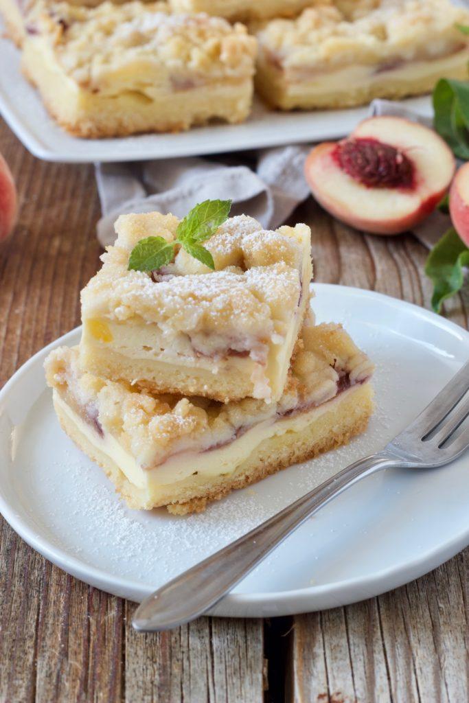 Saftiger Pfirsichkuchen mit Streusel von Sweets & Lifestyle®