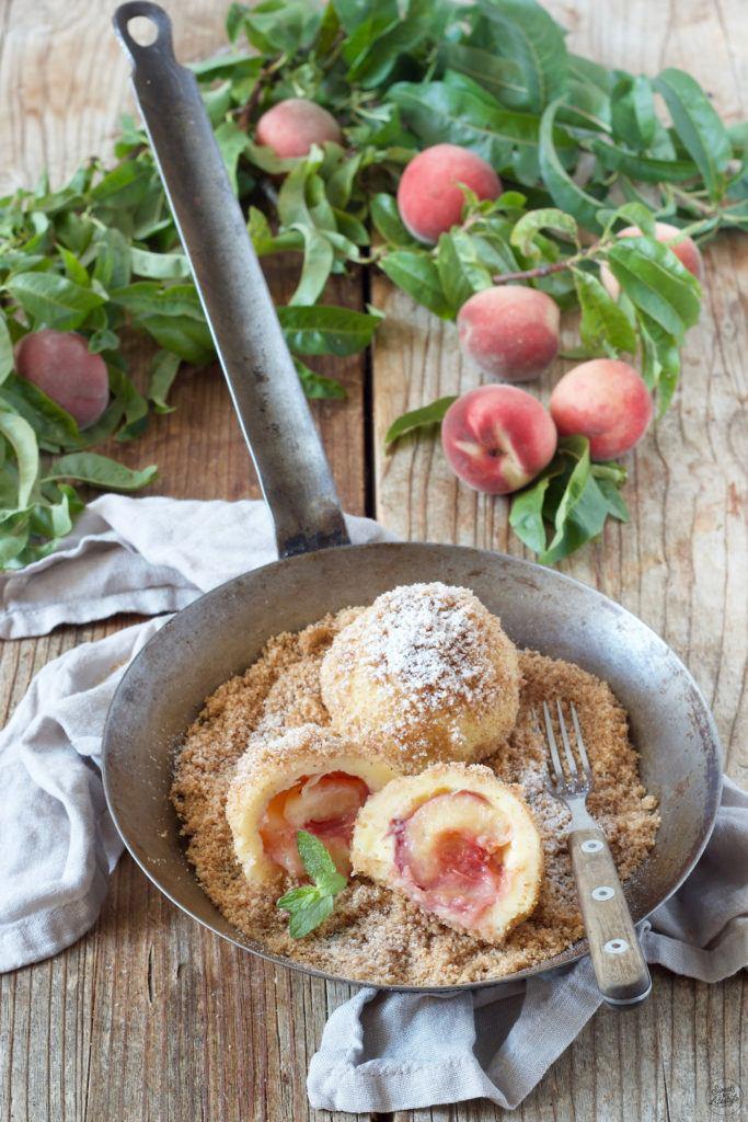 Pfirsichknödel aus Topfenteig nach einem Rezept von Sweets & Lifestyle®