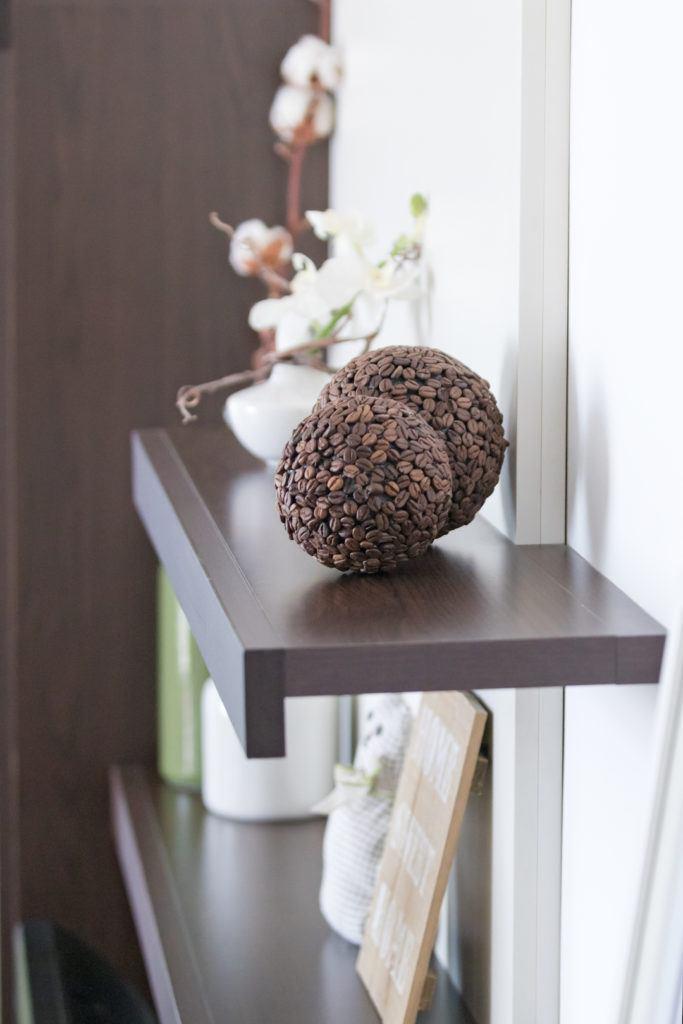 Selbst gemachte Deko Bälle aus Kaffeebohnen von Sweets & Lifestyle®