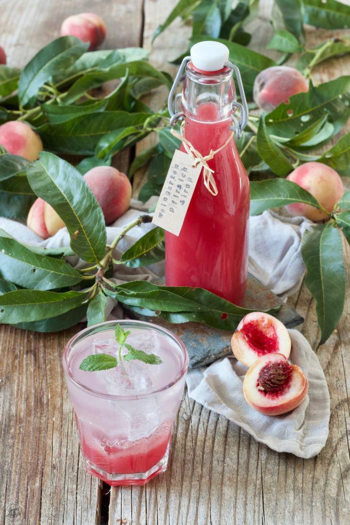 Leckerer Weingartenpfirsich-Sirup nach einem Rezept von Sweets & Lifestyle®