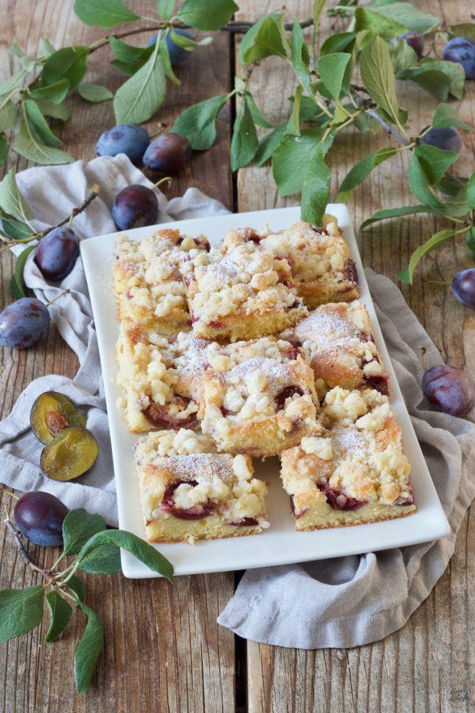 Zwetschgenkuchen vom Blech mit Streusel nach einem Rezept von Sweets & Lifestyle®