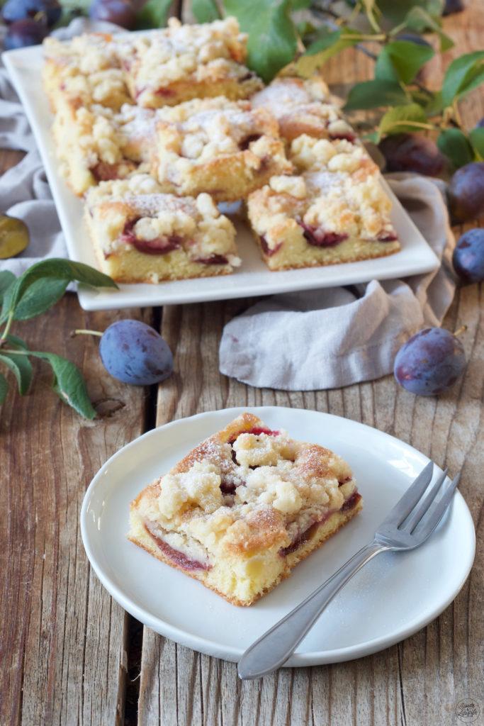 Zwetschkenkuchen mit Streusel vom Blech nach einem Rezept von Sweets & Lifestyle®