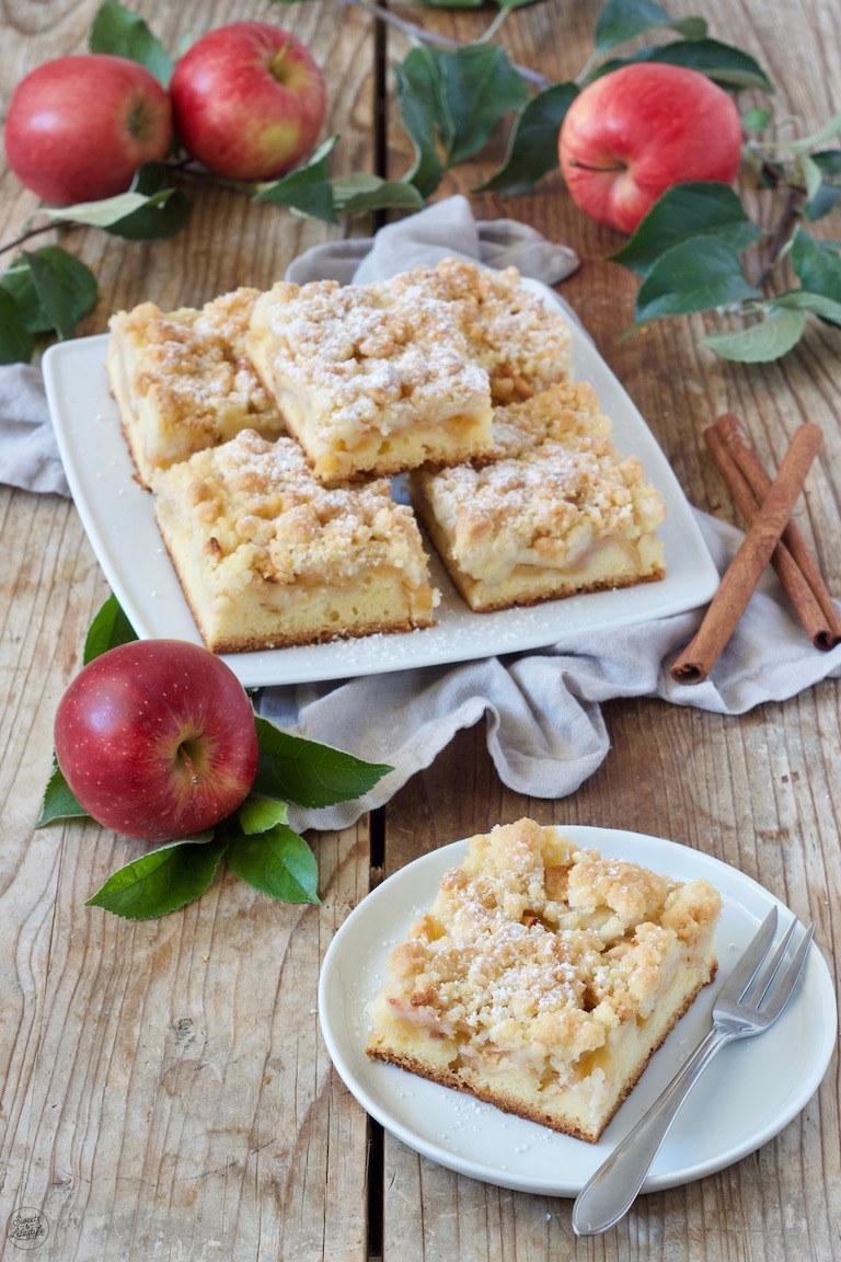 Saftiger Apfel Streusel Kuchen vom Blech nach einem Rezept von Sweets & Lifestyle®