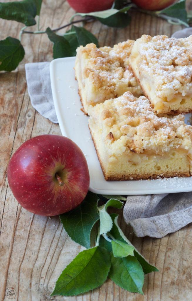 Apfelkuchen vom Blech mit Streusel nach einem Rezept von Sweets & Lifestyle®